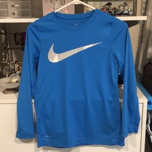 Boys M Nike Dri Fit